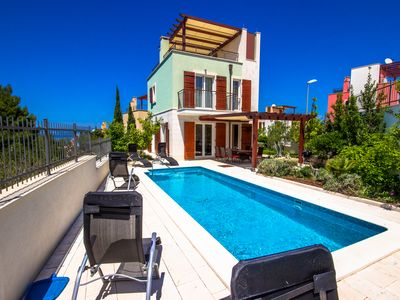 Photo for Comfortable villa with private pool and stunning sea views in a great location