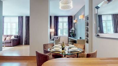 Photo for Luxury Spacious Apartment in Central London.