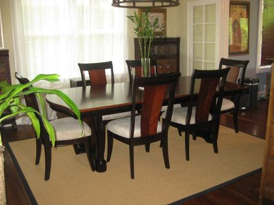 6-PERSON IN DINING ROOM 4-PERSONS IN BREAKFAST ROOM