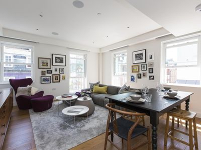 Photo for James Street II - luxury 2 bedrooms serviced apartment - Travel Keys