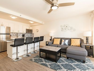 Ocean View Condo Close to Beaches, Awesome Amenities, and Full Kitchen!