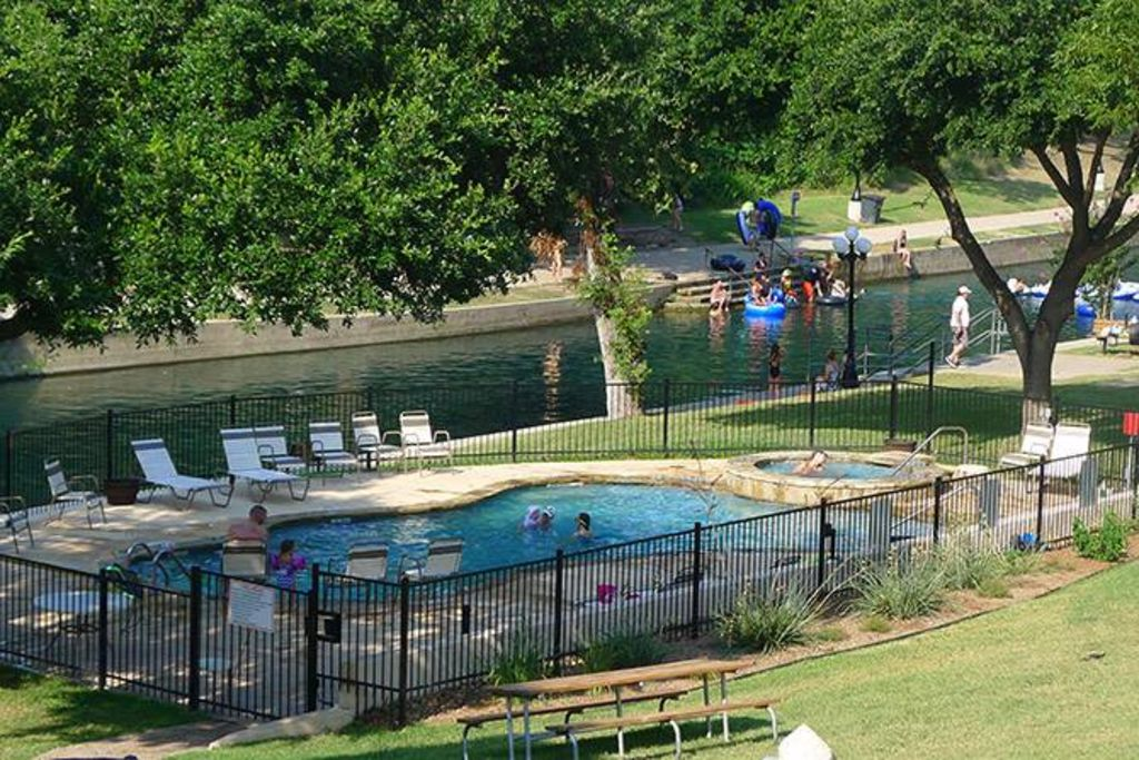 Reduced rates river access tubing on th homeaway - 2 bedroom suites in new braunfels tx ...
