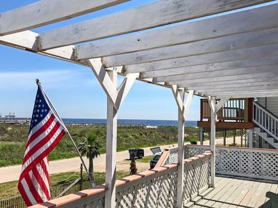 Photo for Surfside Beach Home w/Deck: 300 Feet to the Gulf!