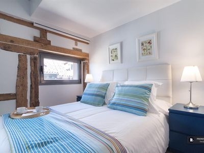 Photo for Friendly Rentals The Plaza Mayor Comfort II apartment in Madrid