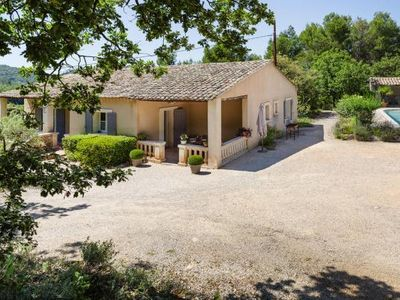 Photo for holiday home, Ménerbes  in Vaucluse - 7 persons, 3 bedrooms
