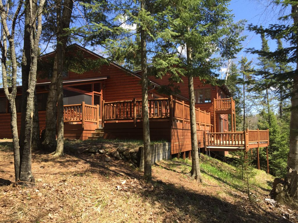 Hayward Wisconsin Spring Lake Home With 450 Of Shoreline And 35