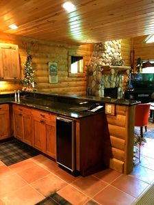 Photo for 3 BR - Custom Mountain Log Cabin, Private Rustic Retreat, Sleeps 9 ... Book now!