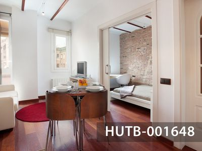Photo for Graceful apartment in Poble Sec, Barcelona's Downtown