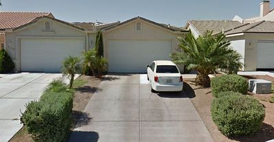 Quiet safe home in great neighborhood, close to stores golf river laughlin & mor