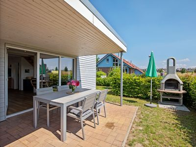 Photo for Charming Holiday Home in Zierow near Seabeach