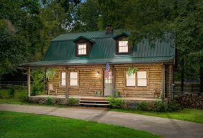 Photo for 3BR Cabin Vacation Rental in Clarksville, Tennessee