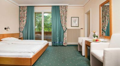 Photo for Family apartment differing Category F - Ferienhotel Schönruh ****