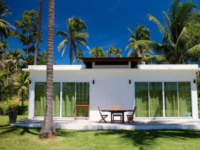 Photo for Gorgeous Beachfront 2 bedroom Bungalow