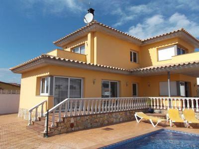 Photo for Villa With Private Pool, Air Conditioning, WIFI And Parking