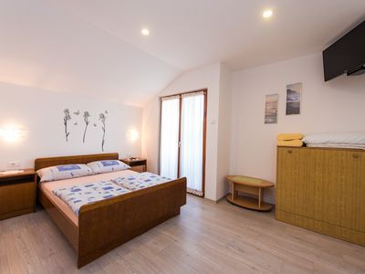 Photo for A6 cozy room with shared kitchen, big garden, balcony & grill. Bikes for free!