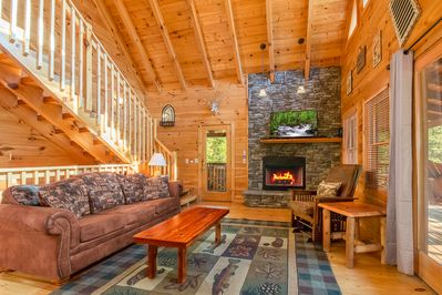 Luxury and secluded cabin, surrounded by woods, yet convenient to  everything - Pigeon Forge