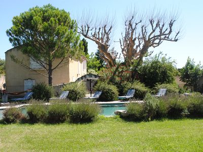 Photo for Nice family home with pool in the heart of Provence