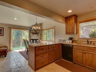 Photo for 5 Bedroom 3 Bath Luxury Ski In Ski out (SL432A)