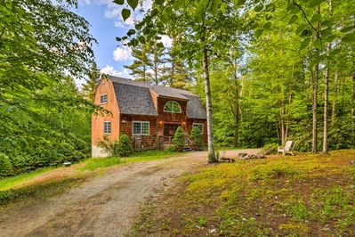 Escape the city to this 3-bed, 2-bath vacation rental cabin in Chestertown!