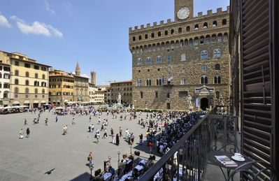 City  / Village Apartment in Florence with 2 bedrooms sleeps 4
