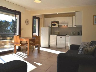 Photo for Apartment Cavalaire-sur-Mer, 2 bedrooms, 4 persons