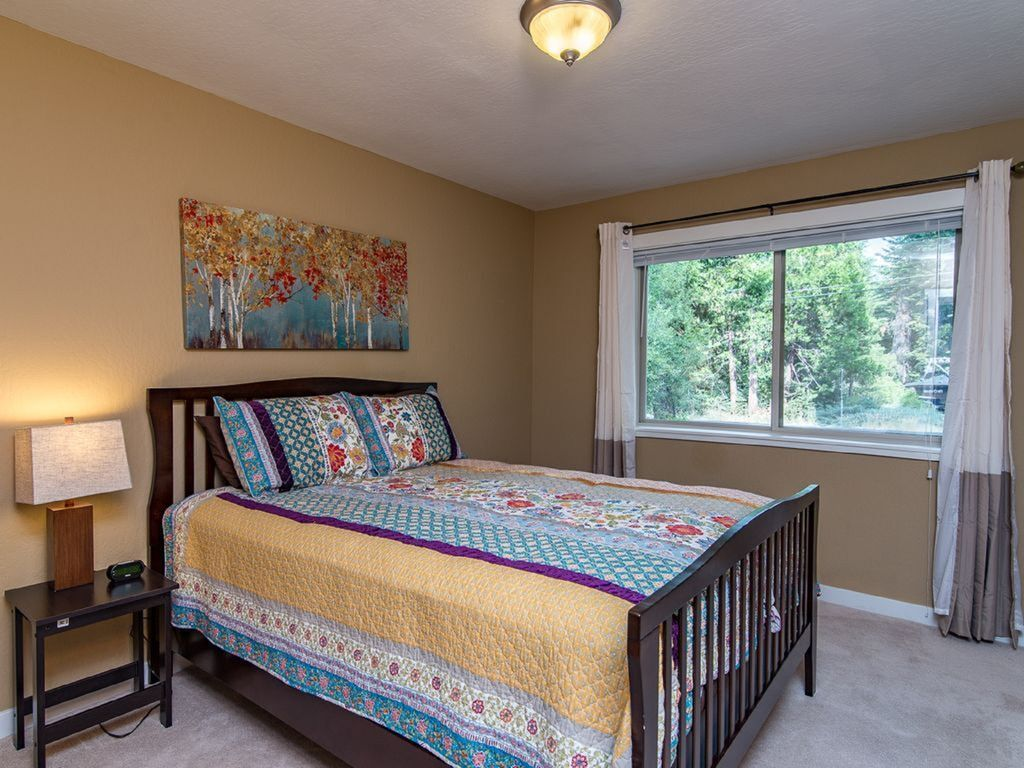 Property Image#7 Cabin Style Home In The Pines   Minutes From Meeks Bay