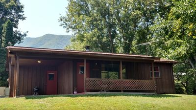 Photo for Newly Renovated Cozy Cottage w/ Awesome Mountain View!
