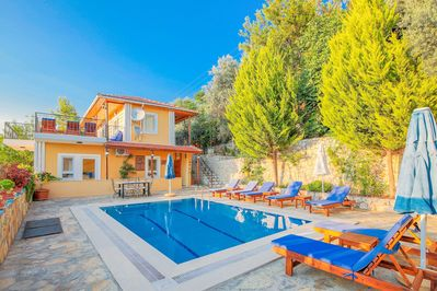 Villa sahin Enjoy your holiday!!l Secluded pool not overlooked 🏊♂️🏊♂️🏊♂️