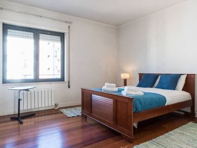 Photo for Apartment in Lisbon with Lift, Internet, Washing machine, Air conditioning (698131)