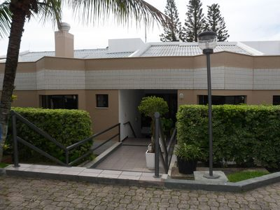 Photo for Beautiful apt with sea view, pool and direct access to the beach