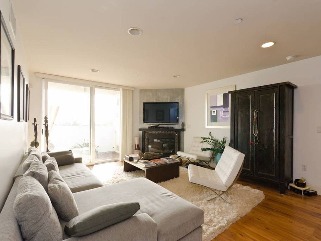 2 Bedroom Apartments West Hollywood The Crescent At West Hollywood 16 Photos 33 Reviews