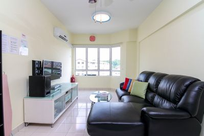 Living Hall:- 1) 30Mbps Unlimited Wifi Internet. 2) Panasonic Smart TV 50 inches 3) 75 Channels Satellite TV 4) HIFI system  5) Aircond x 1 unit 6) Ceiling fan x 2 units 7) Sofa bed x 2nos
