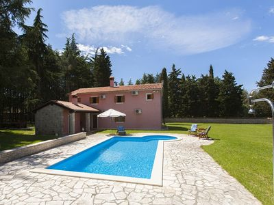 Photo for Special villa on the edge of the forest with private pool, 3 bedrooms, 2 bathrooms, Wi-Fi, air conditioning, terrace, barbecue and a pool table
