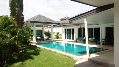 Photo for Spacious and modern villa in peace