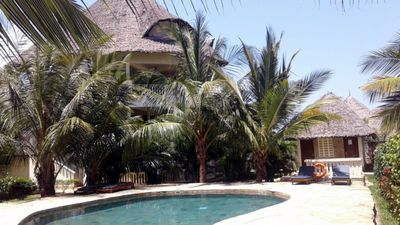 """Photo for Apartment 107m² with pool, Diani Beach center! 230m to the sea! Perfect location! """"LTE"""""""