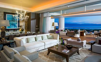 Photo for Luxurious Grand Residence with Ocean Views