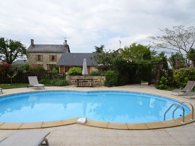 Photo for 8 bedroom Villa, sleeps 16 in Saint-Georges-de-Noisné with Pool and WiFi