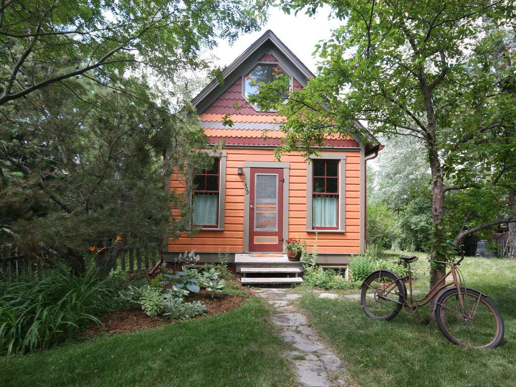 Orange Cottage A Go Go Vrbo