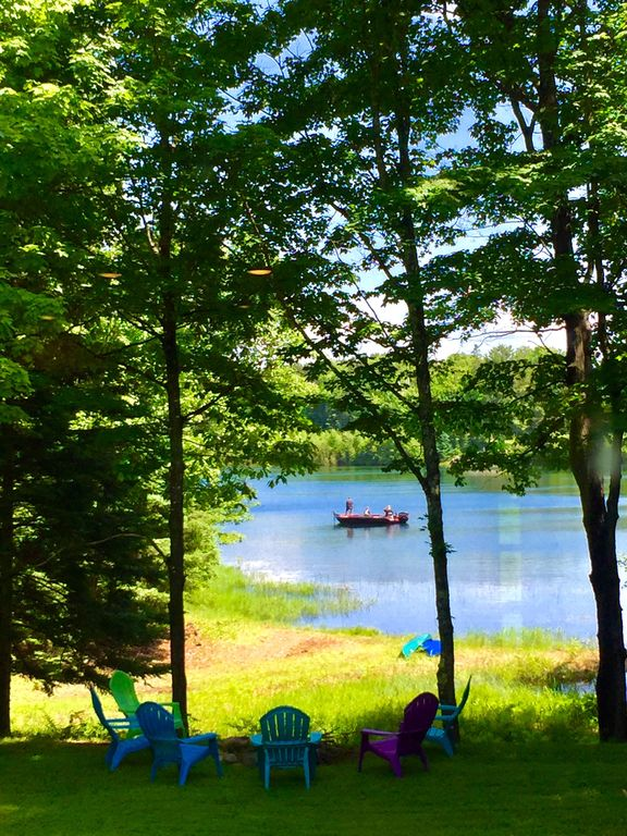 Beautiful clear, cool swimming & fishing lake- July 10-20th still available!
