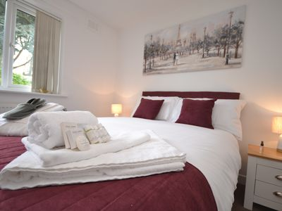 Photo for 3BR Bungalow Vacation Rental in Nottingham, England