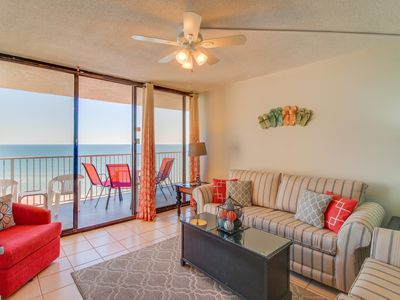 Photo for Condo with gorgeous ocean views, easy beach access, shared pool!