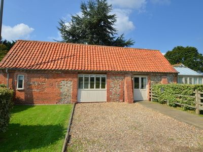 Photo for Traditional Holiday Home in Briston with Garden