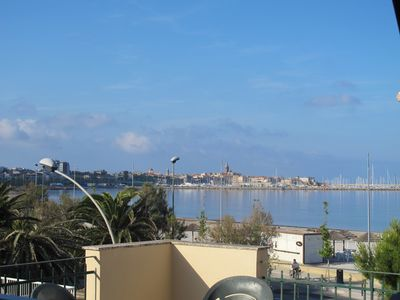 Photo for Apartment for 4 people in front of the beach with sea view terrace