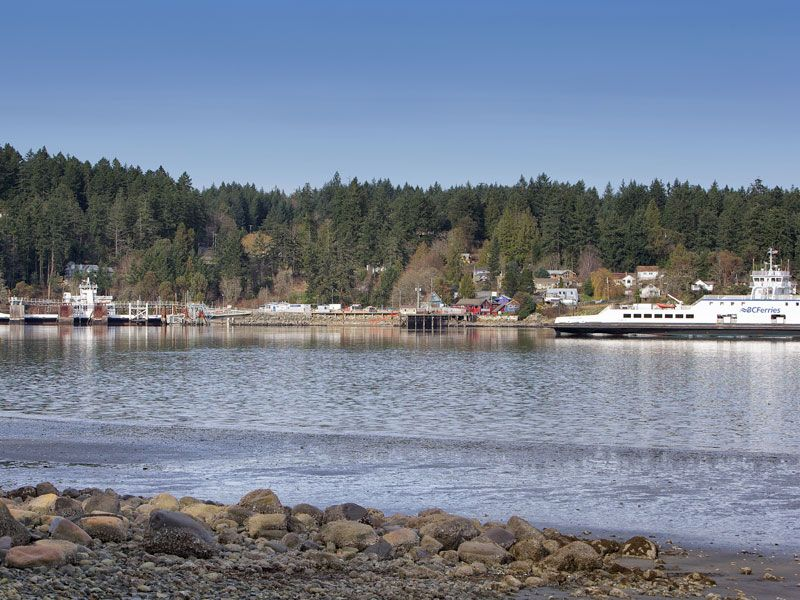 39 Captain 39 S Quarters 39 Waterfront Cottage On Fulford Harbour Salt Spring Island