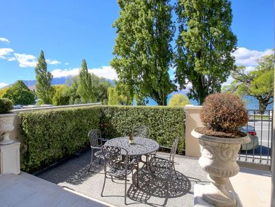 Lake Residence - Queenstown Holiday Apartment in Summer
