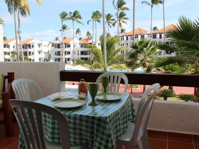 Photo for Fantastic Condo on the Beach. Relax and enjoy the breeze !!!