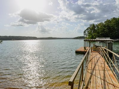 Adorable One Room Cabin In the Heart of Smith Lake