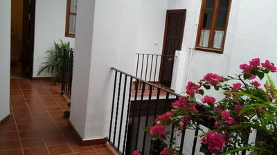 Photo for Gorgeous 2 bedroom flat in the historic centre of Seville.