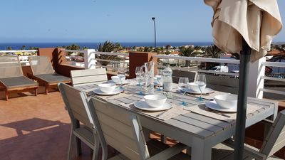 Dinning with a sea view!