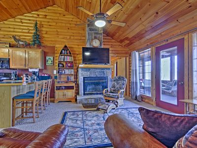 Photo for Rustic Branson Cabin-Mins to Silver Dollar City!